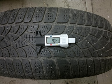 215/60 R16 Dunlop SP Winter jeté pneu